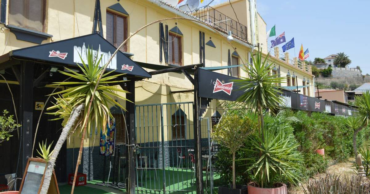 hostel reservations in Alora