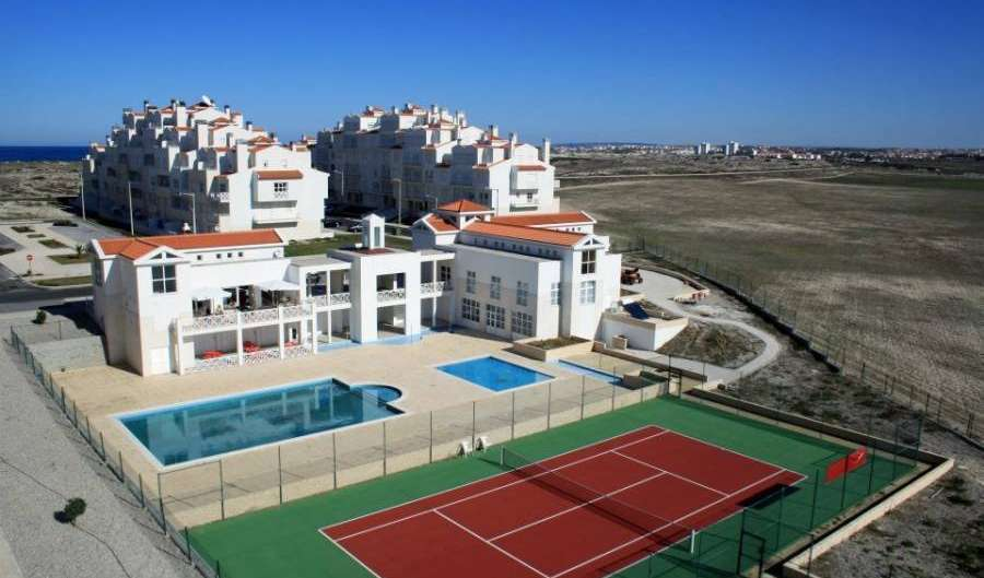 last minute bookings available at hostels in Peniche, Portugal